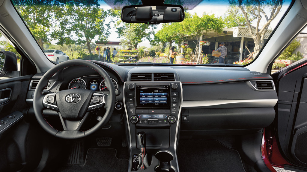 2017-toyota-camry-front-interior2