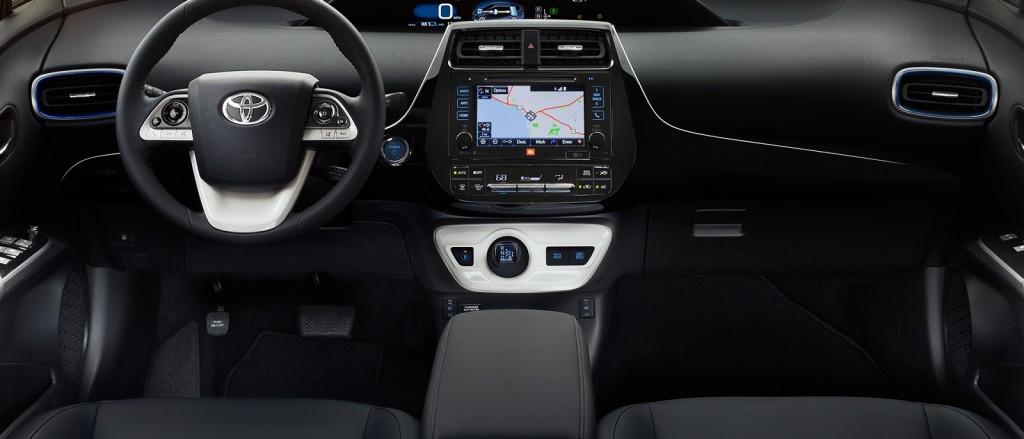 2017 toyota prius interior1