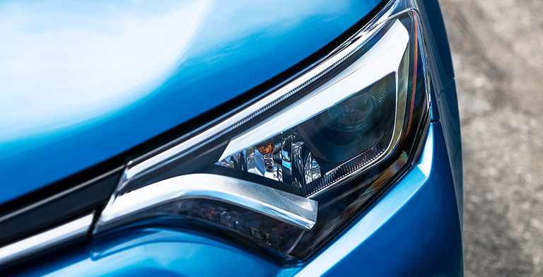 2017-toyota-rav4-led_headlights