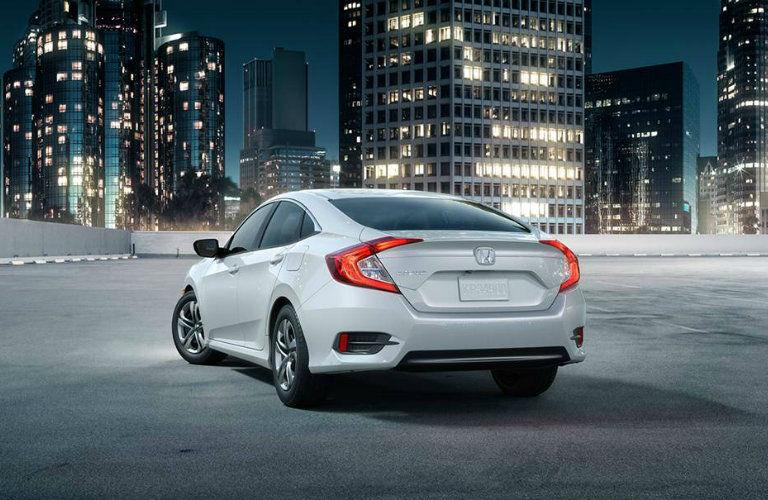 Honda-Civic-rear-view_o