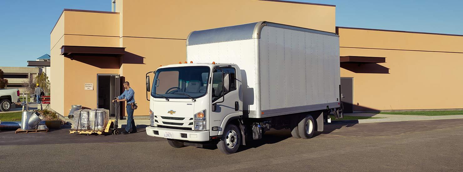 2015-chevrolet-lcf-trucks-mo-upfits-1-1480x551