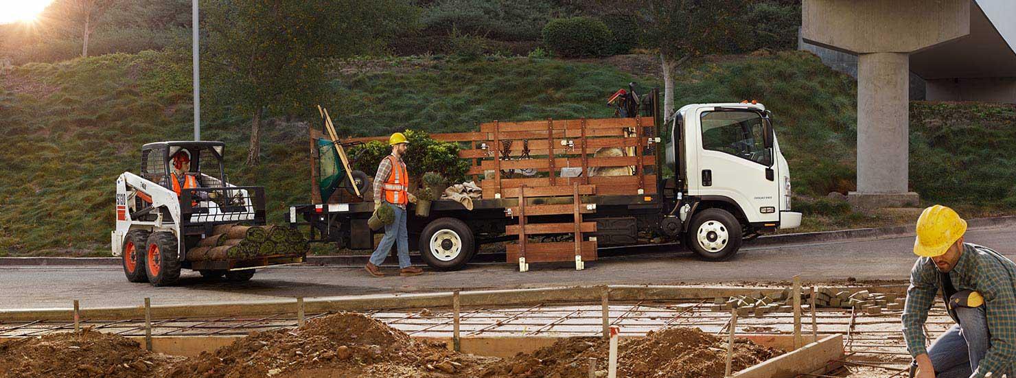2015-chevrolet-lcf-trucks-mo-upfits-3-1480x551