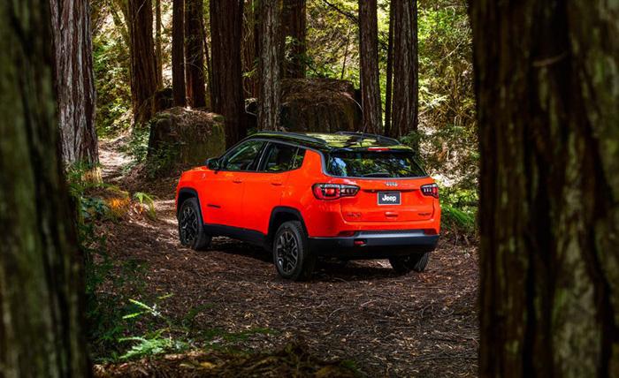2017-Jeep-Compass-Trailhawk-Garber
