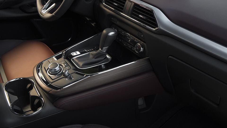 2016 Mazda CX-9 interior