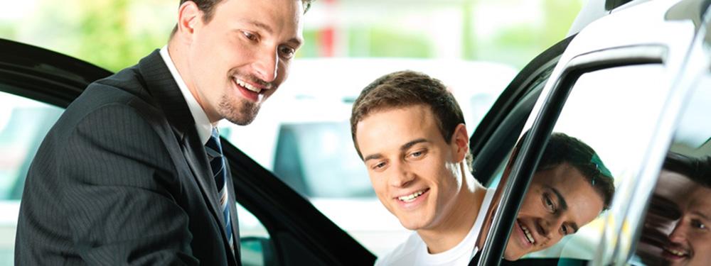 customer buying car