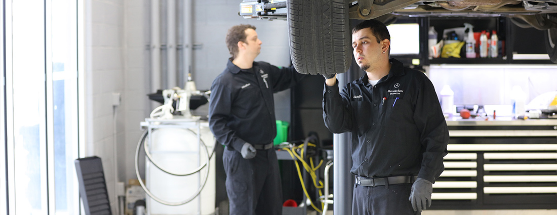 Service-2-technicians