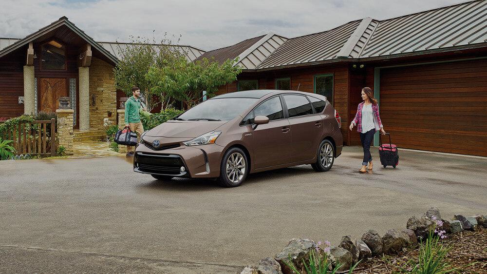 Toyota Prius v exterior
