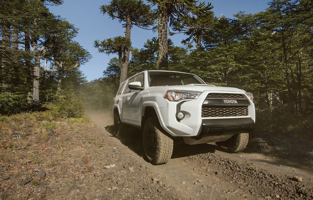 Toyota 4Runner Towing Capacity >> 2016 Toyota Tacoma Vs 2016 Toyota 4runner