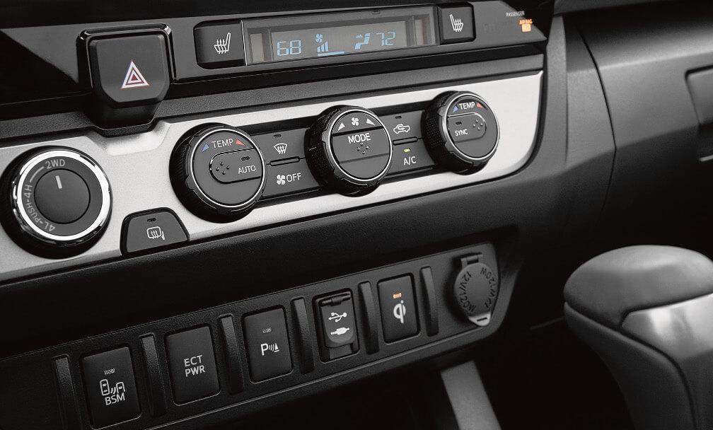 2017 Toyota Tacoma  climate-control knobs