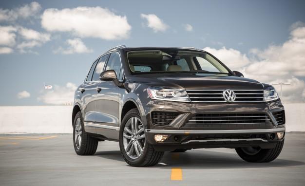 2015-Volkswagen-Touareg-TDI-111-626x382