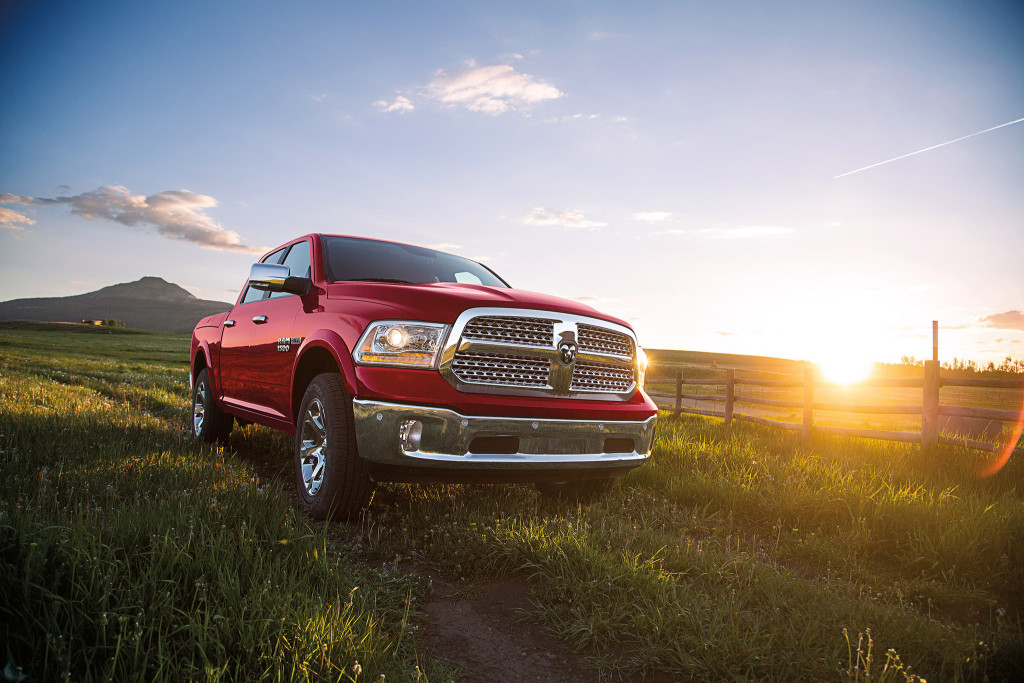 ram 1500 surpasses chevy silverado among best selling pickup trucks. Black Bedroom Furniture Sets. Home Design Ideas