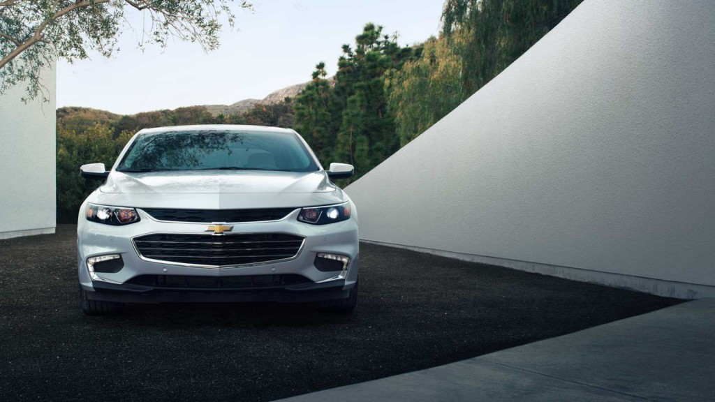 up close 2016 Chevy Malibu