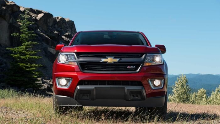 2017 Chevrolet Colorado red exterior model, front view