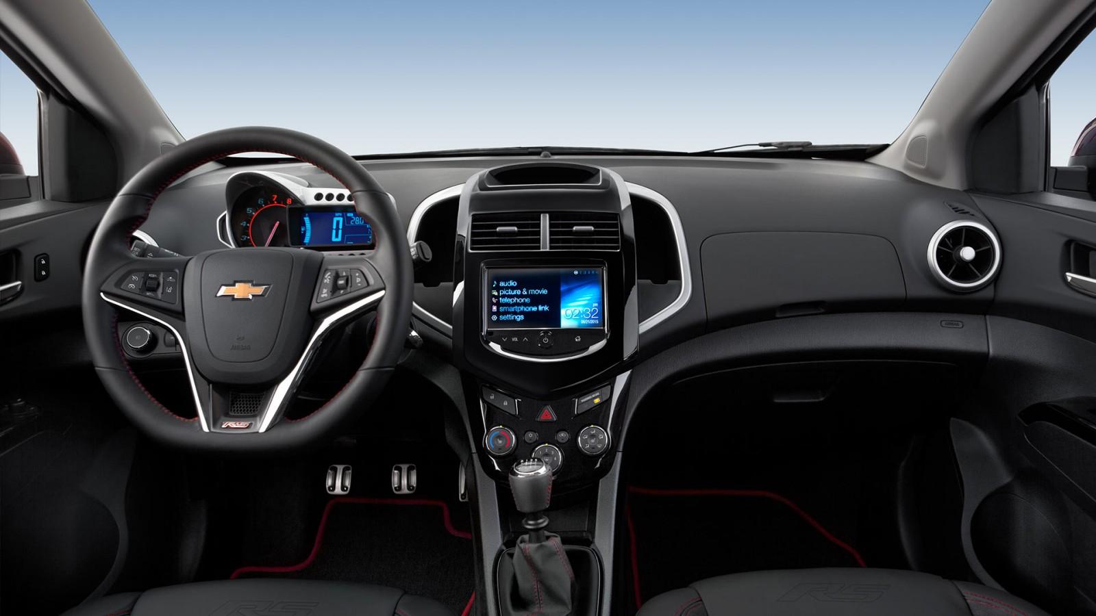 2016 Chevrolet Sonic interior features