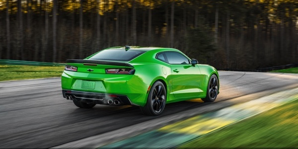 2017 Chevrolet Camaro LT (2LT) green exterior model