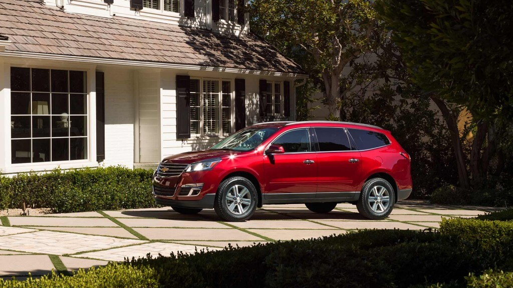 2017 Chevrolet Traverse red exterior