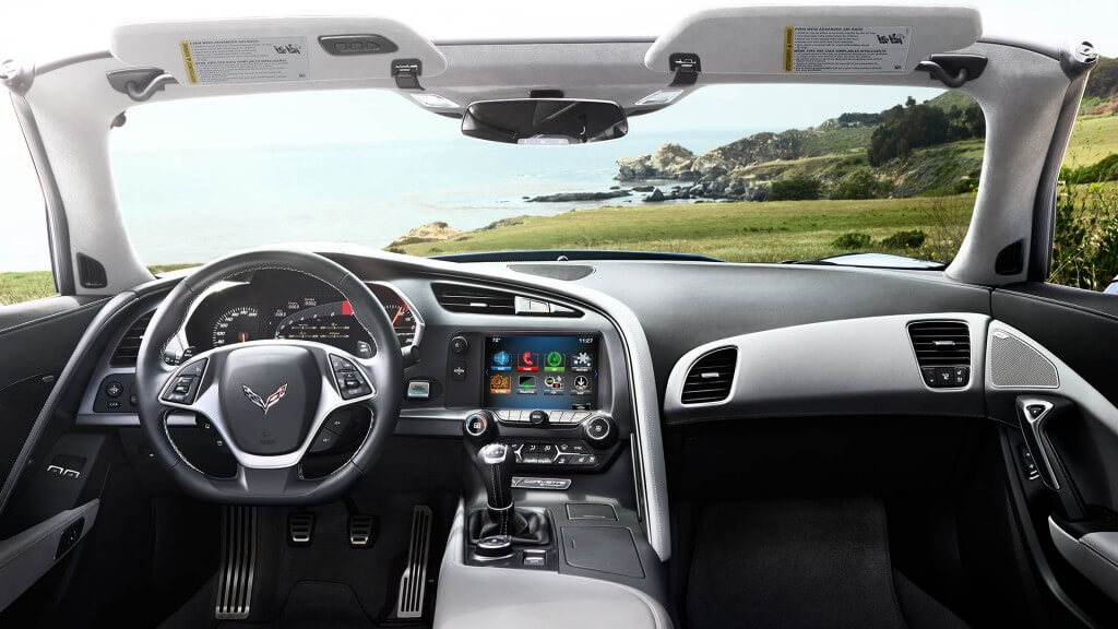 2017 Chevrolet Corvette Stingray interior technology