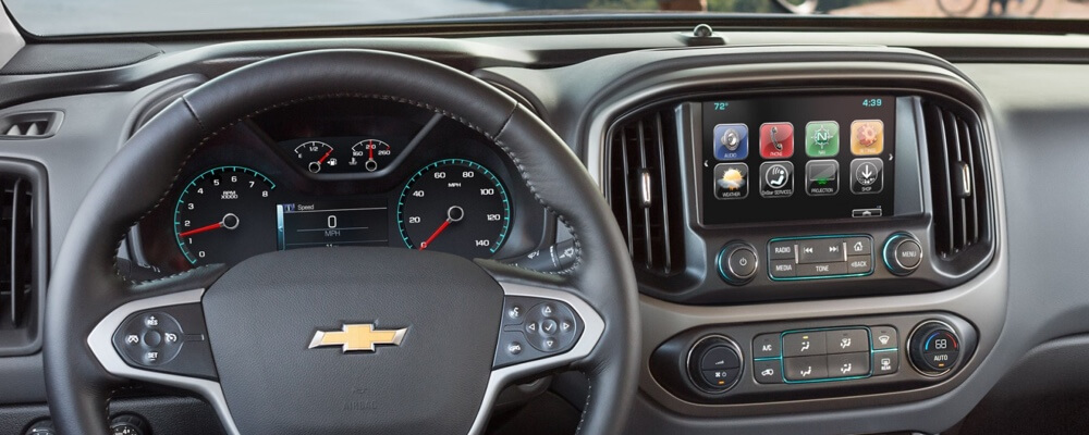 2017 Chevrolet Colorado technology features available