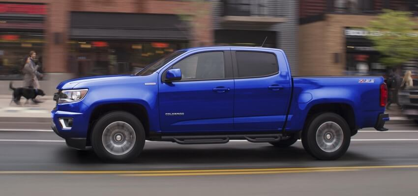 2017 Chevrolet Colorado blue exterior model side view