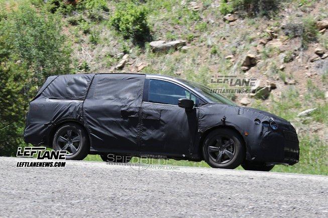 2017 Honda Odyssey Spy Pic Courtesy of Left Lane News