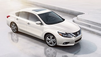 2016-nissan-altima-sedan-side-view-pearl-white