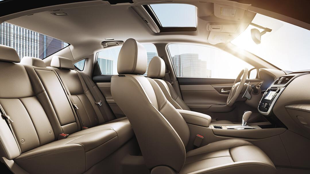 2017 Nissan Altima sedan interior