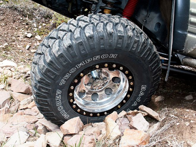129-0709-01-z+4x4-tire-test+mickey-thompson-baja-radial-mtz